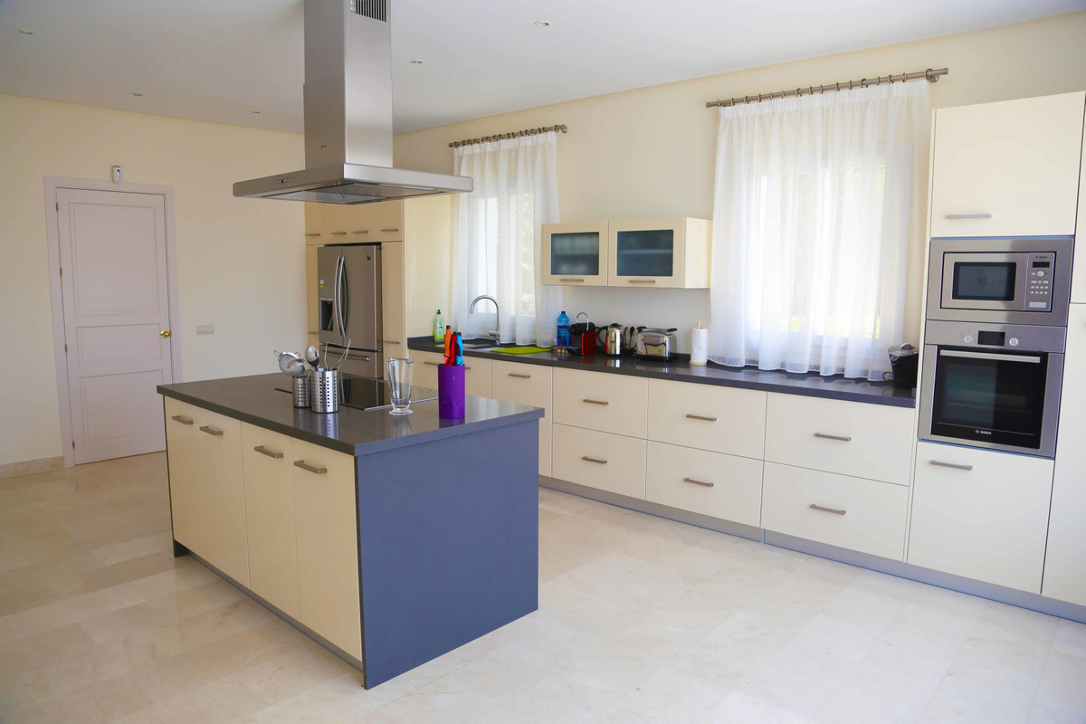 House in Selwo R3085240 33