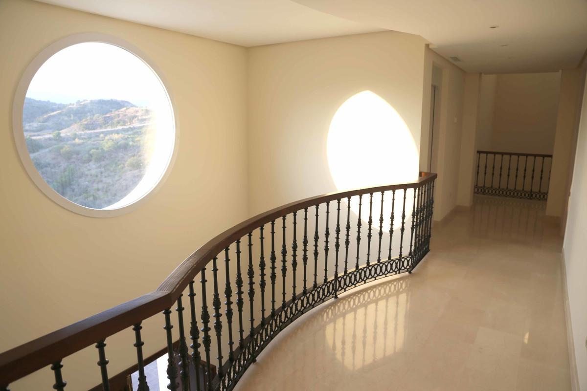 House in Selwo R3085240 34