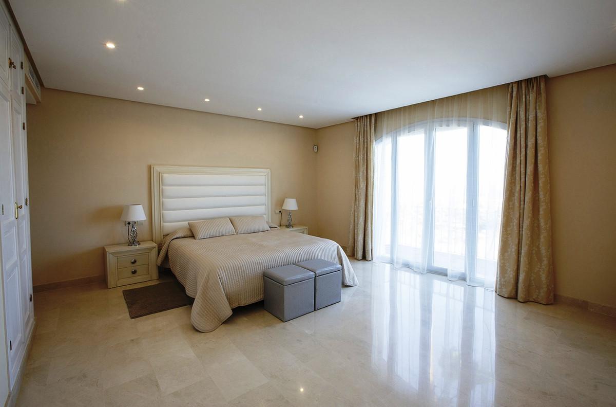House in Selwo R3085240 5