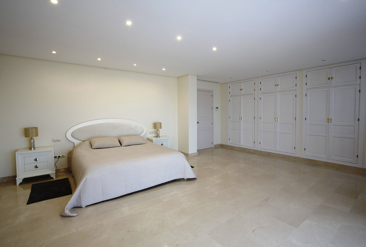 House in Selwo R3085240 6