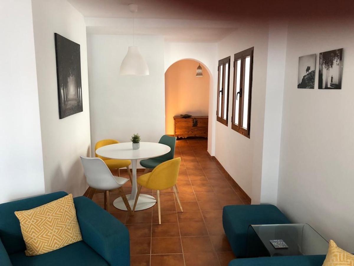 Ref:R3703403 Apartment - Middle Floor For Sale in Frigiliana