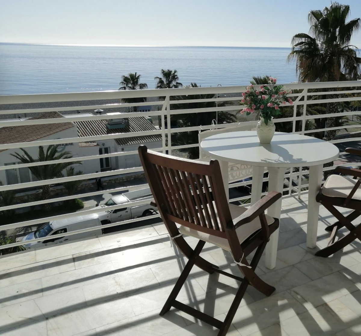 A cozy sunny 1 bedroom apartment on the first line of the beach in Almunecar. In very good condition,Spain