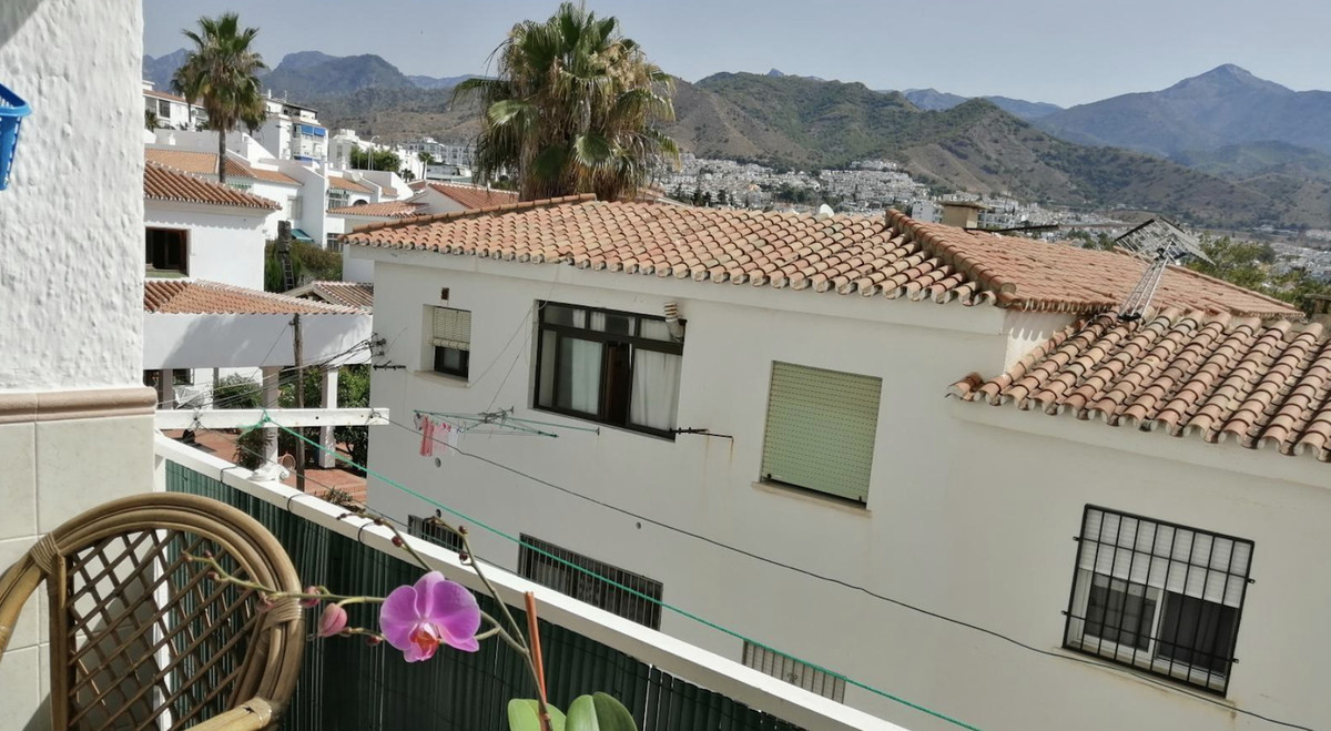 Apartment in excellent condition in the area of Parador de Nerja. Excellent location, 5 minutes from,Spain