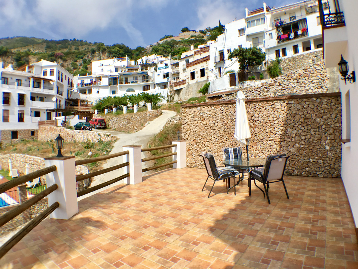 Set in the heart of Frigliana town with FABULOUS VIEWS! This 3 storey DETACHED TOWN HOUSE is availab,Spain
