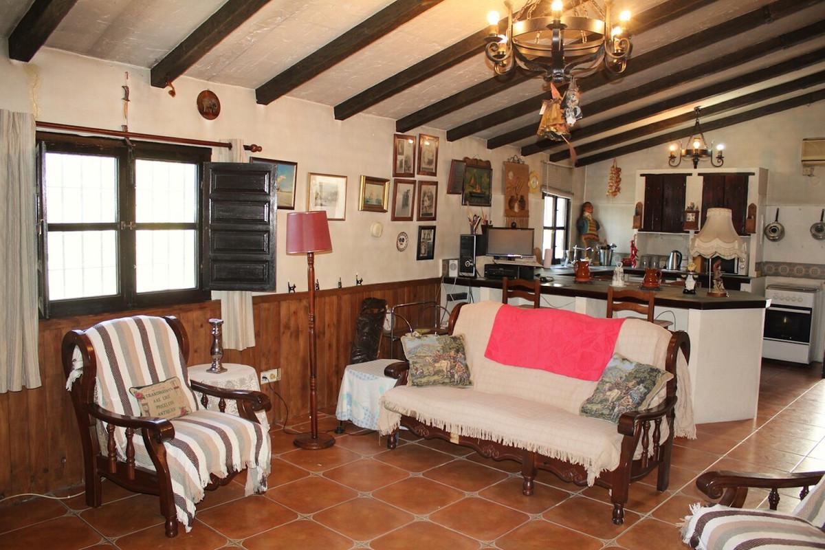 Ref:R3802813 Villa - Detached For Sale in Comares