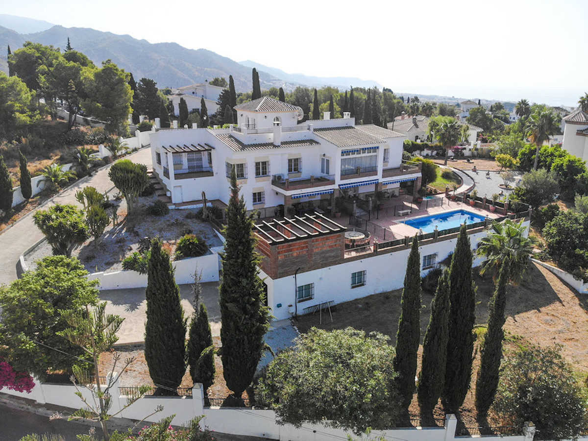 Luxury Villa located in the exclusive urbanisation of Cortijo San Rafael, between Nerja and Frigilia,Spain