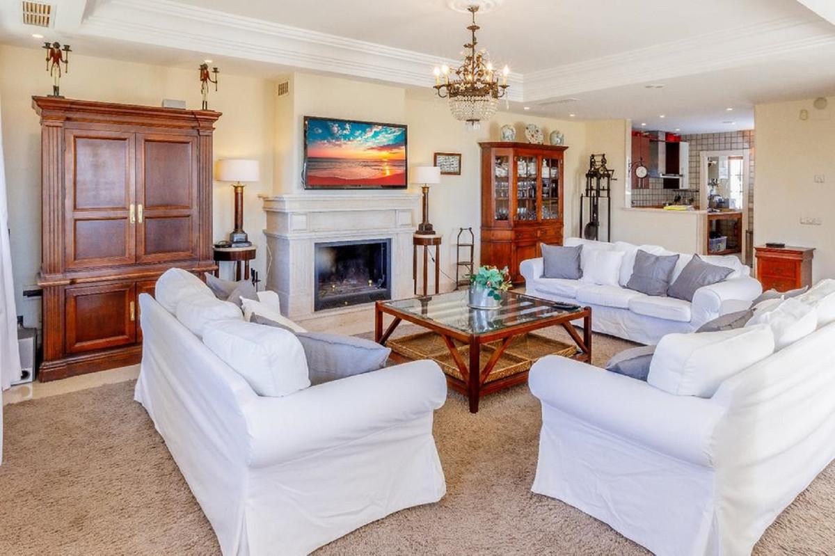 Ref:R3764800 Villa - Detached For Sale in Marbella