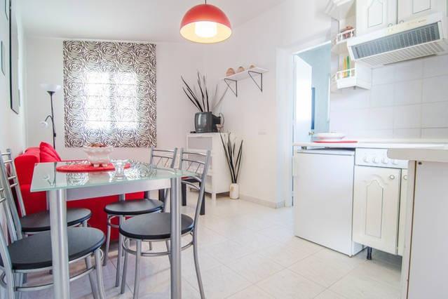 Middle Floor Studio, Nerja, Costa del Sol East. 1 Bedroom, 1 Bathroom, Built 29 m², Garden/Plot 792 ,Spain
