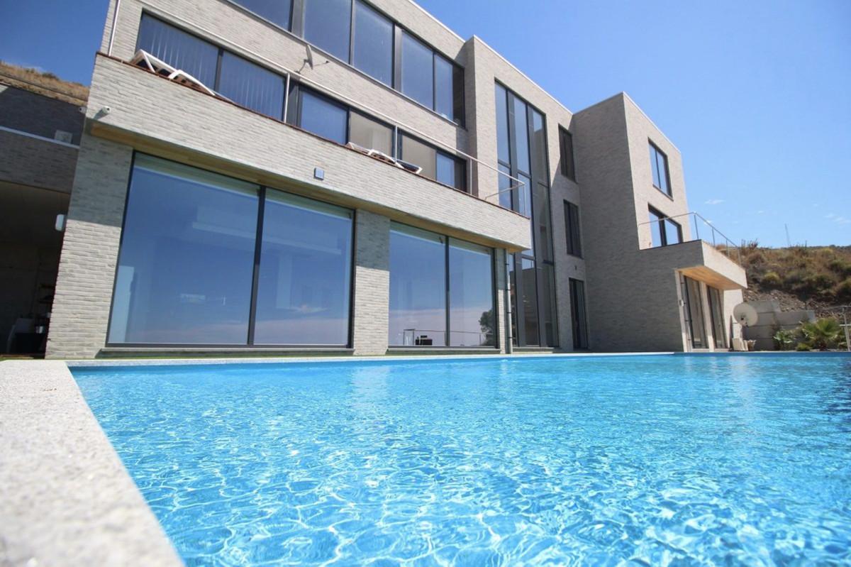 Ref:R3500110 Villa - Detached For Sale in Torrox