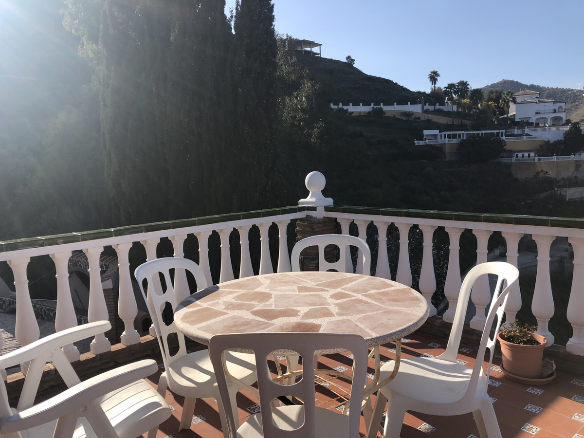Ref:R3384223 Villa - Detached For Sale in Torrox