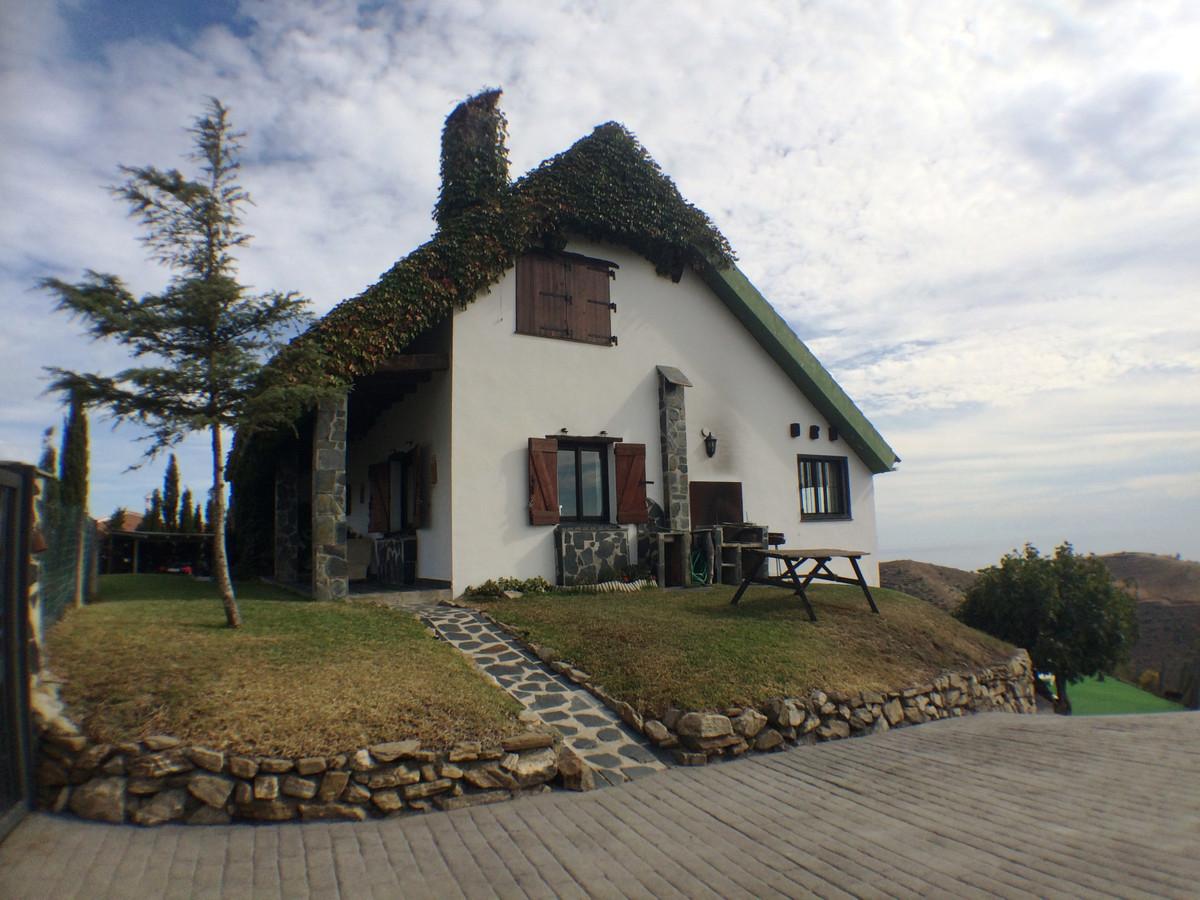 Ref:R3264673 Villa - Detached For Sale in Torrox