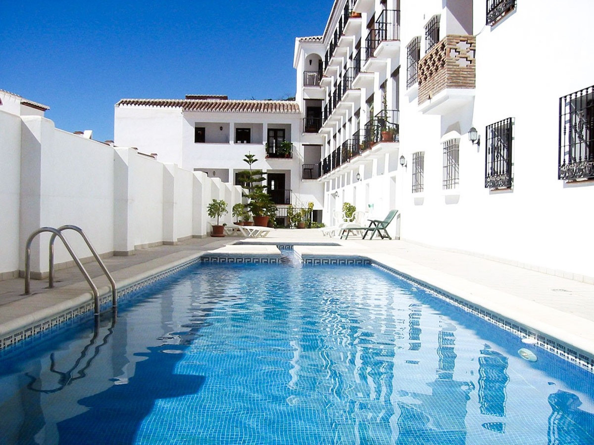 Ref:R3536236 Apartment - Middle Floor For Sale in Frigiliana