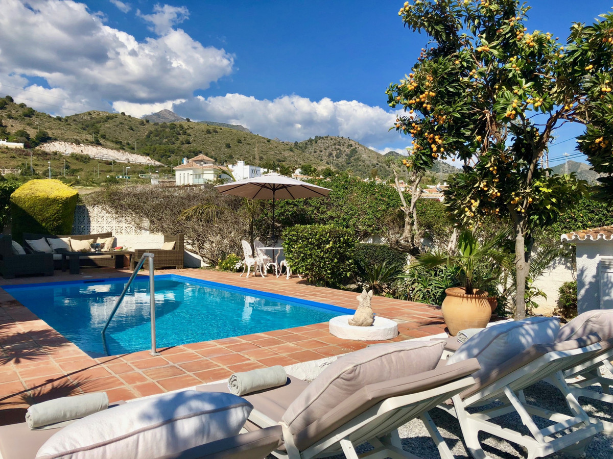 Detached Villa, Nerja, Costa del Sol East. 3 Bedrooms, 2 Bathrooms, Built 212 m², Garden/Plot 1222 m,Spain