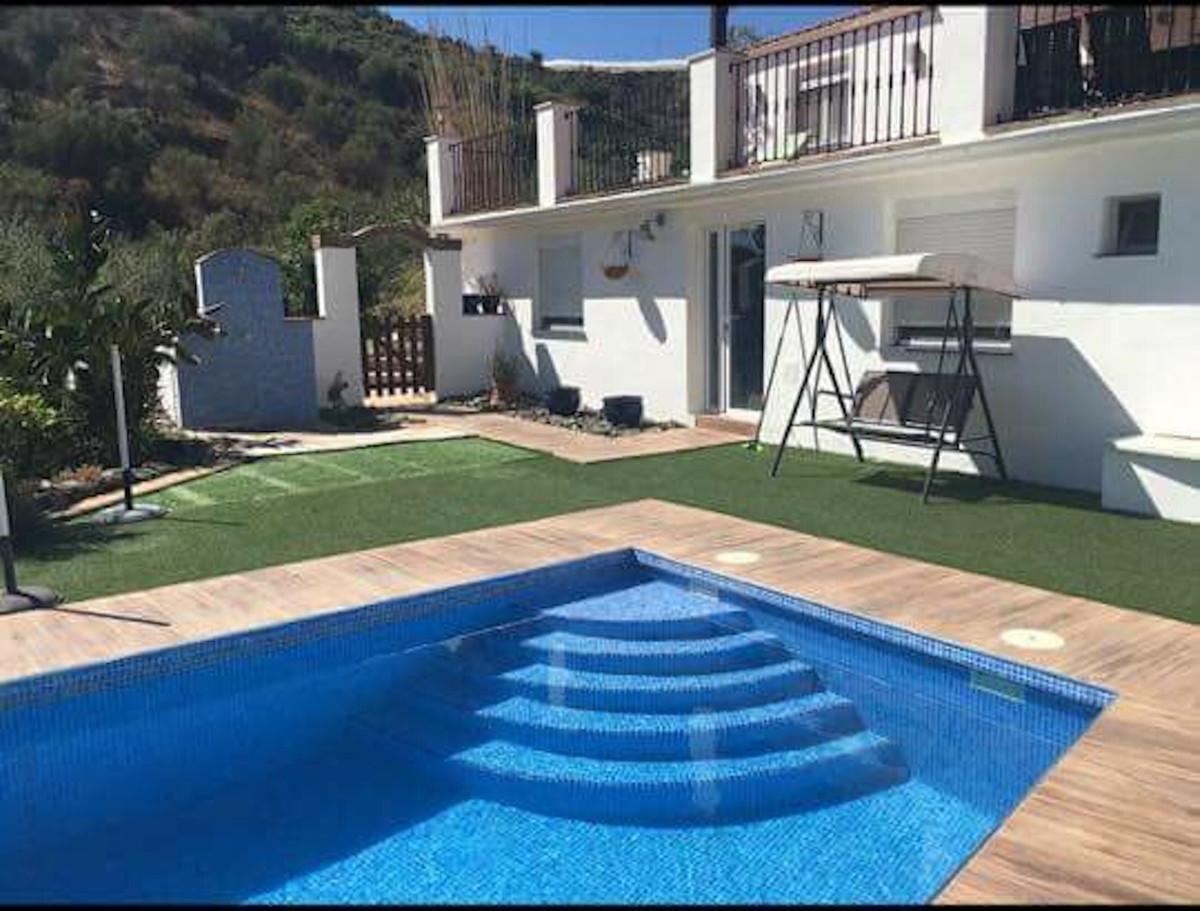 Ref:R3362878 Villa - Finca For Sale in Torrox