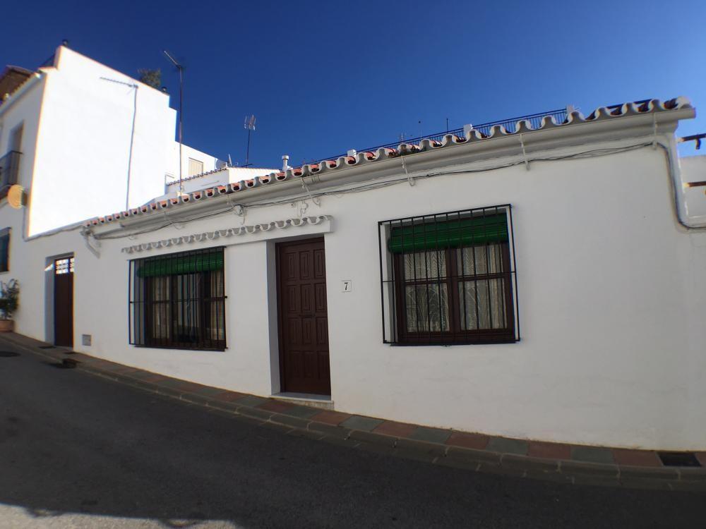Townhouse, Frigiliana, Costa del Sol East. 3 Bedrooms, 1 Bathroom, Built 132 m², Terrace 20 m².  Set,Spain