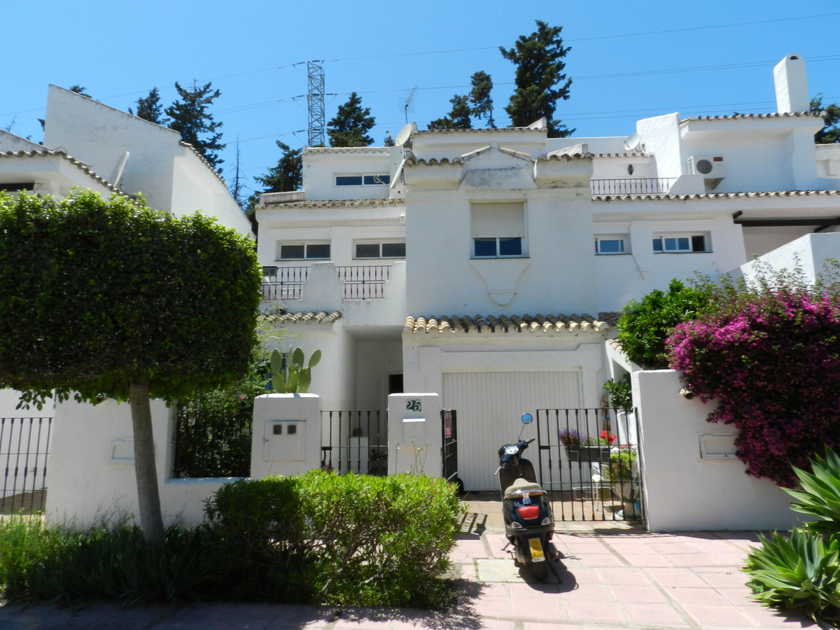 Adosada a la venta en Marbella