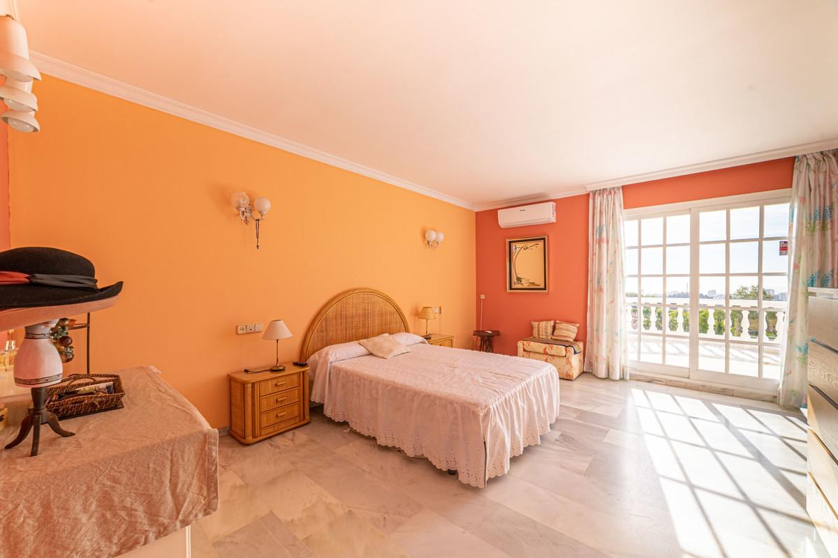 4 Bedroom Villa For Sale, Mijas