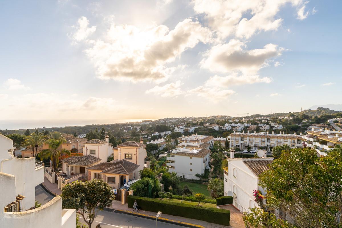 Townhouse, Calahonda, Costa del Sol. 3 Bedrooms, 2 Bathrooms, Built 170 m².  Orientation : West. Con,Spain
