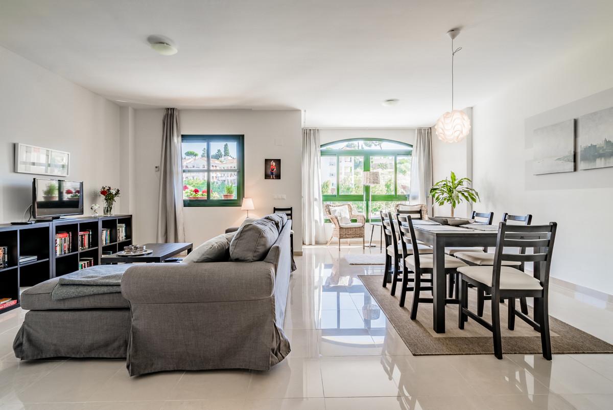 Townhouse, Los Pacos, Costa del Sol. 3 Bedrooms, 2 Bathrooms, Built 140 m², Terrace 38 m².  Setting ,Spain
