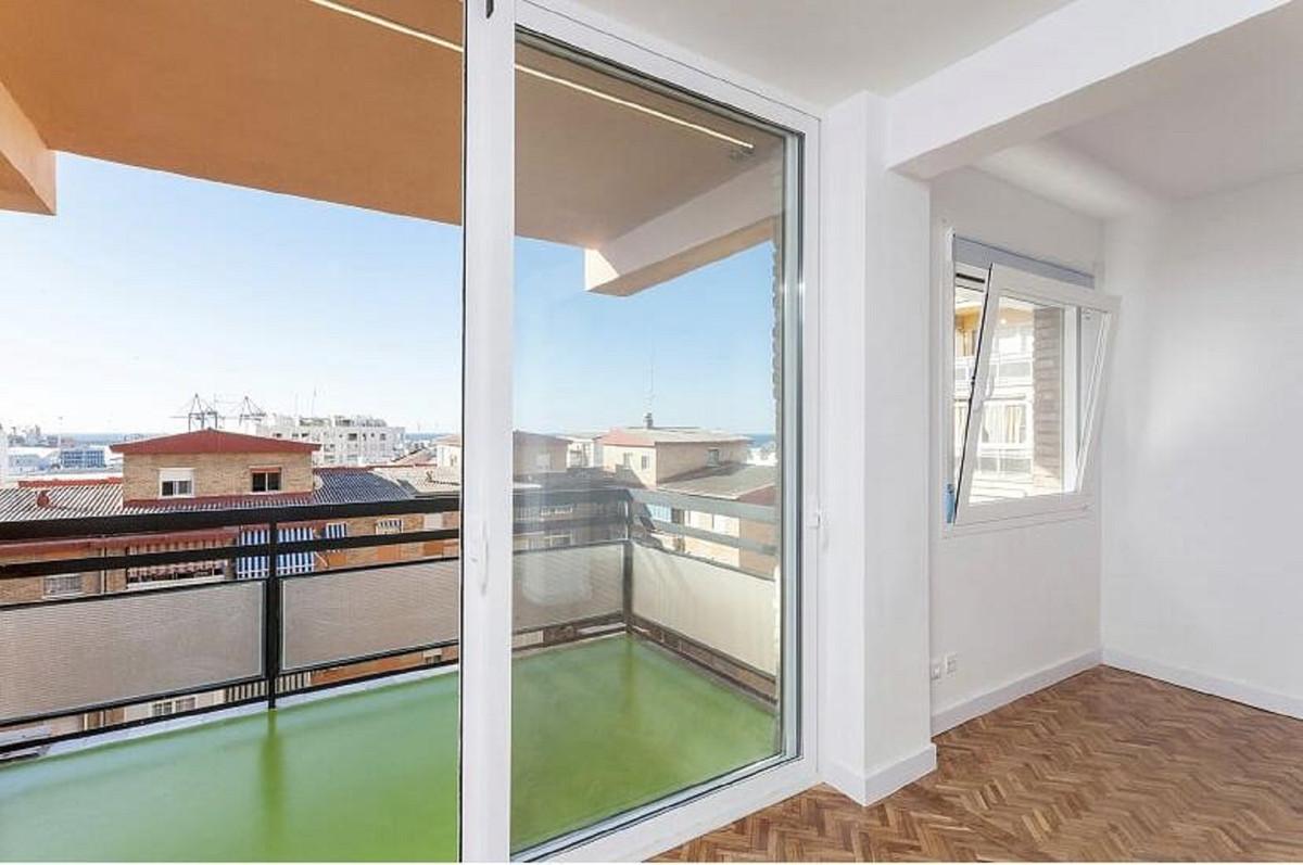 Top Floor Apartment in Málaga R3569761