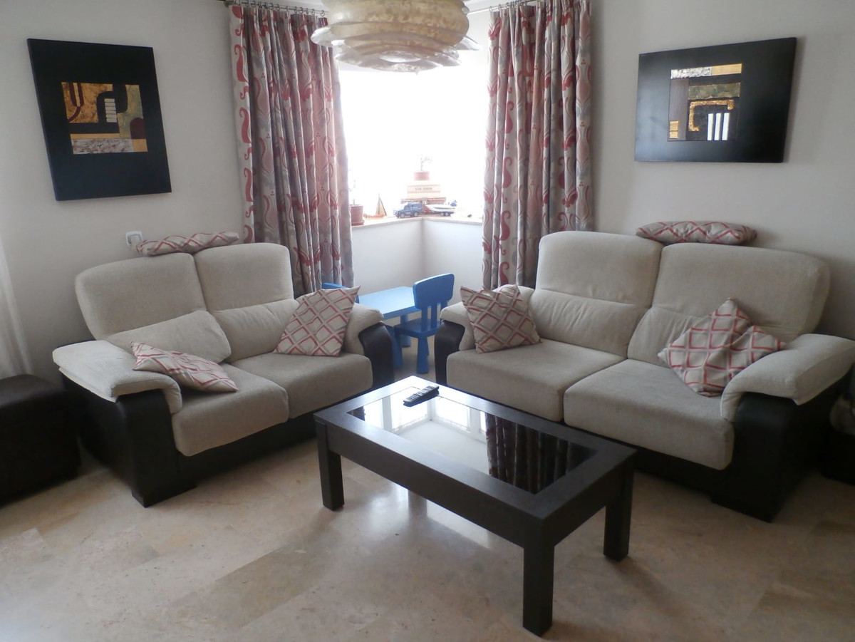 Great apartment to enter to live with an unbeatable location! Removed from the traffic of the vehicl,Spain