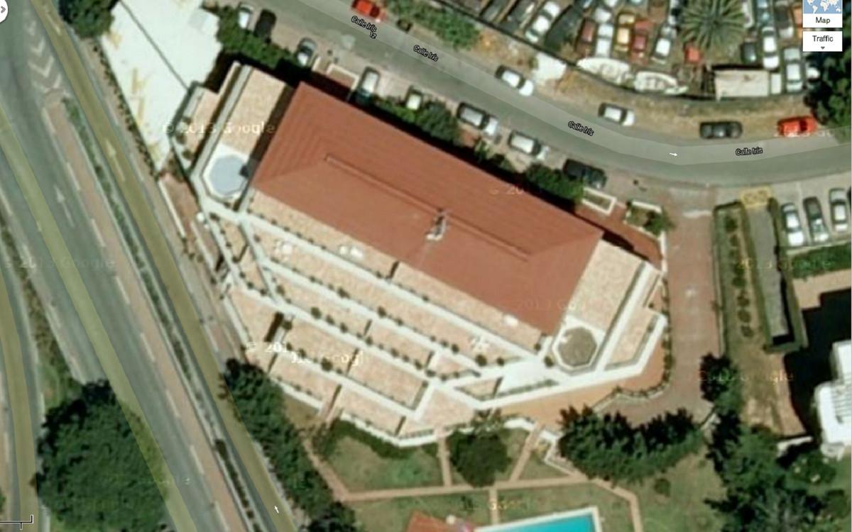 3 dormitorio comercial en venta nueva andalucia