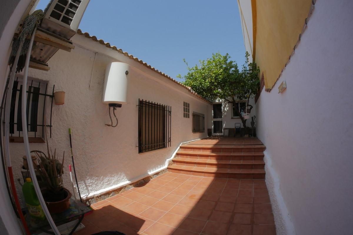 4 Bedroom Detached Villa For Sale Málaga