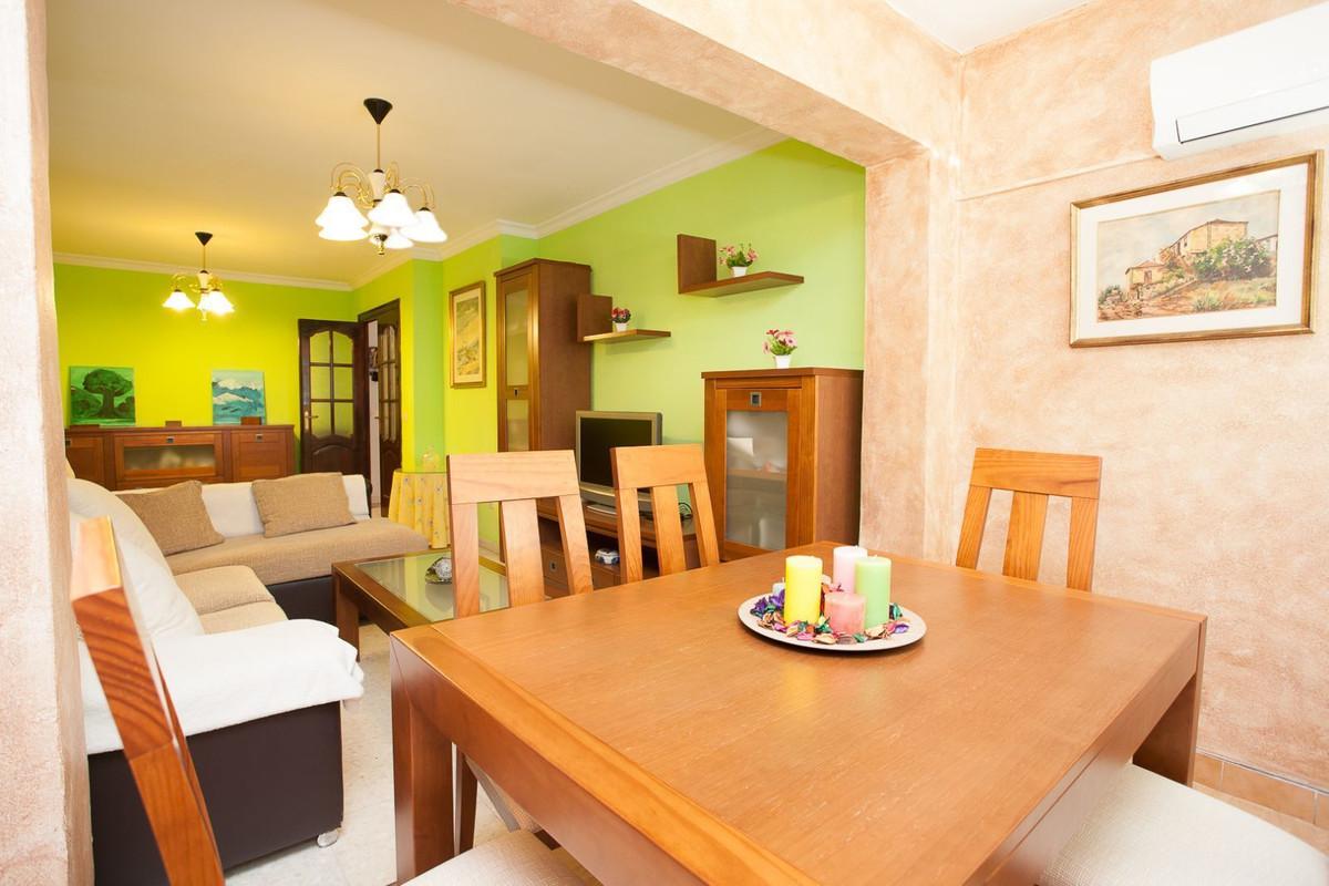 Apartamento 4 Dormitorios en Venta Málaga