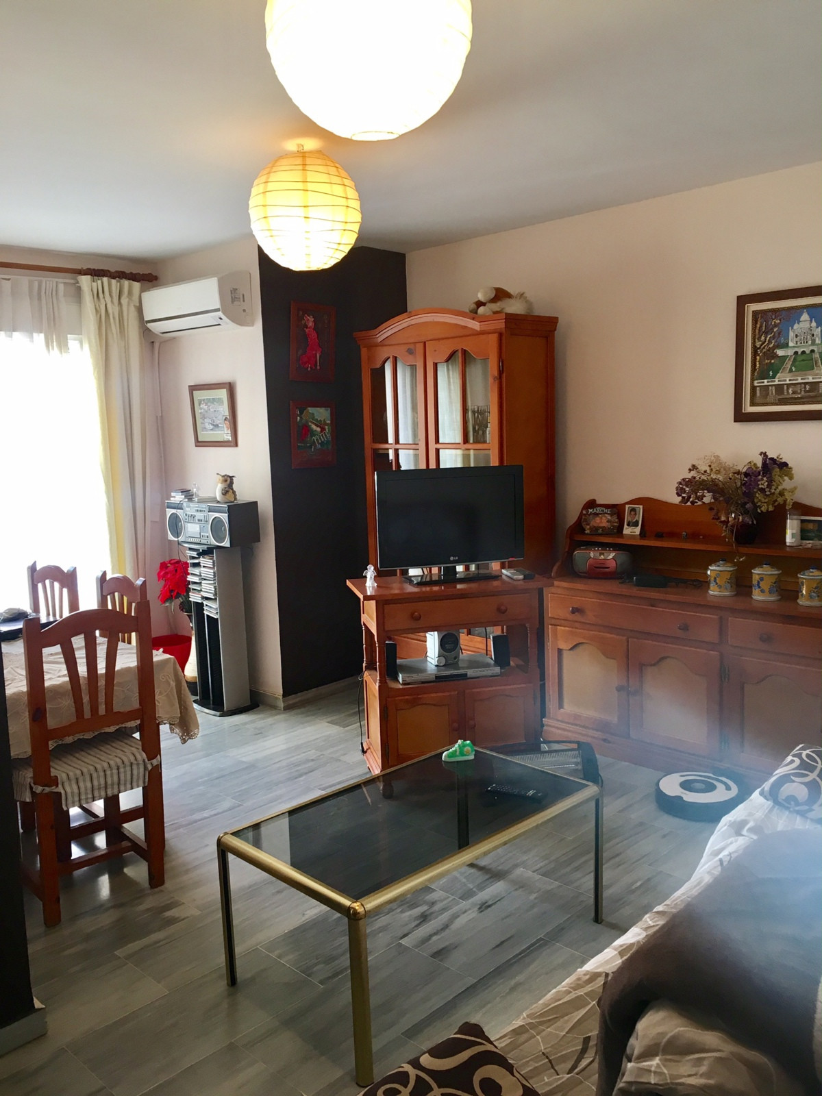 Studio in excellent condition on 1st floor: with large living room, fitted kitchen, bedroom with war,Spain