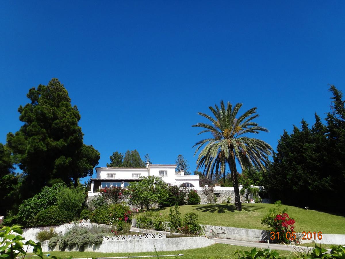 Freistehende Villa in Marbella R2738411