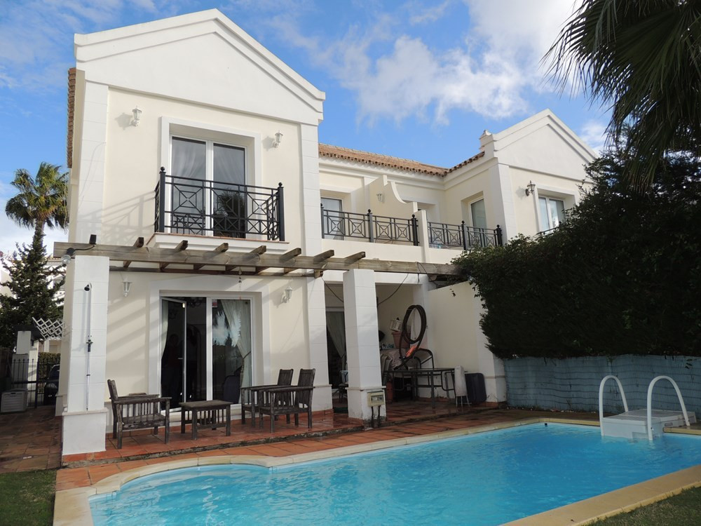 SEMI-DETACHED IN ALCAIDESA. VIRTUAL REALITY IN OUR WEB!! Beautiful semi-detached four bedrooms, loca,Spain
