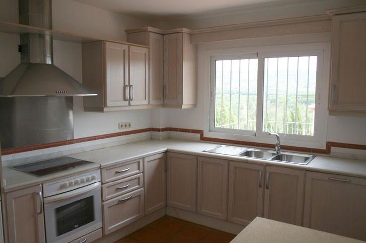 SPECTACULAR VILLA IN SOTOGRANDE ALTO !!! .... Great villa with five bedrooms and four bathrooms locaSpain