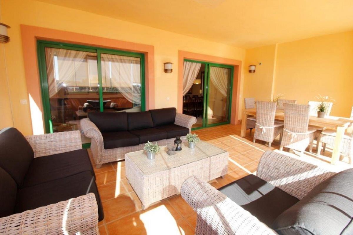 Apartamento con 4 Dormitorios en Venta Torreblanca