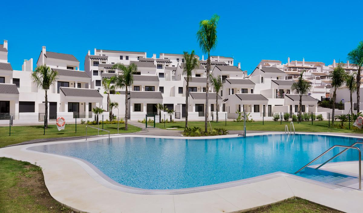Apartment in Estepona R3397120 1