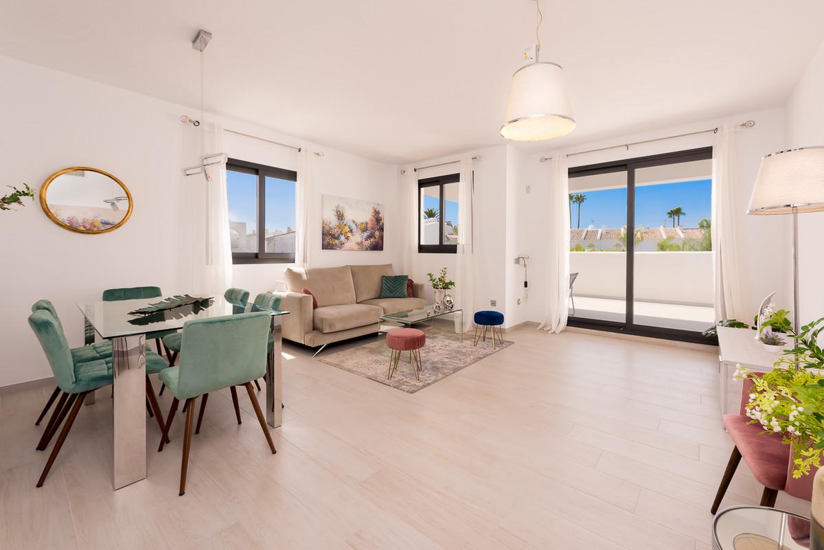 Apartment in Estepona R3397120 3