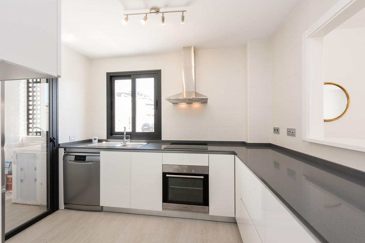 Apartment in Estepona R3397120 5