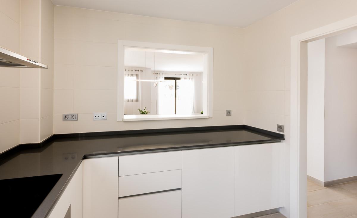 Apartment in Estepona R3397120 6