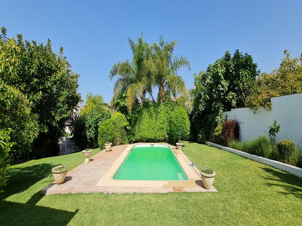 Detached Villa for sale in Marbella R3874678
