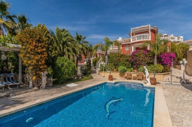 Great summer residence in one of the exklusive spots along the Costa del Sol. This villa is located ,Spain
