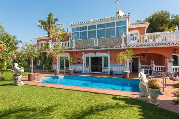 Villa con 3 Dormitorios en Venta Torrenueva