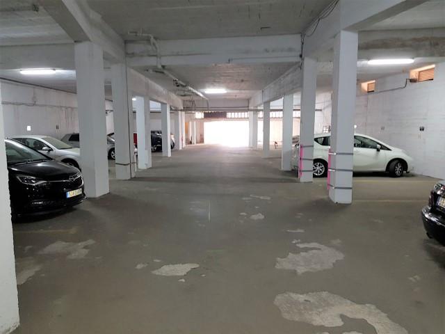 Garaje a la venta en Calahonda