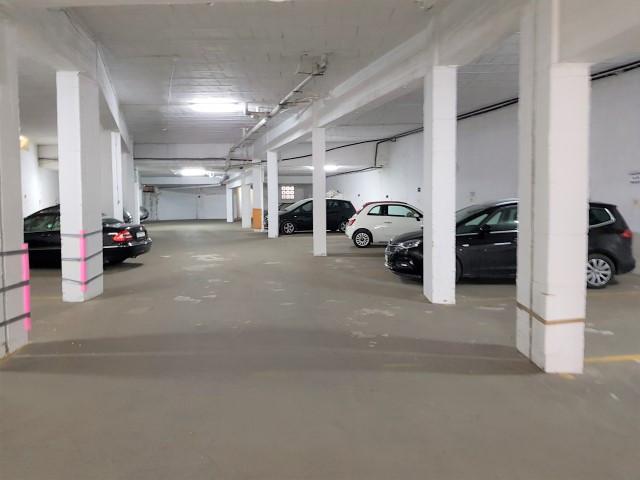 0 Bedroom Garage Commercial For Sale Calahonda