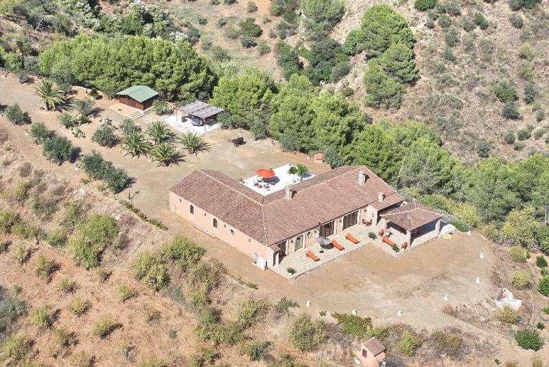 Villa 3 Dormitorios en Venta Alozaina