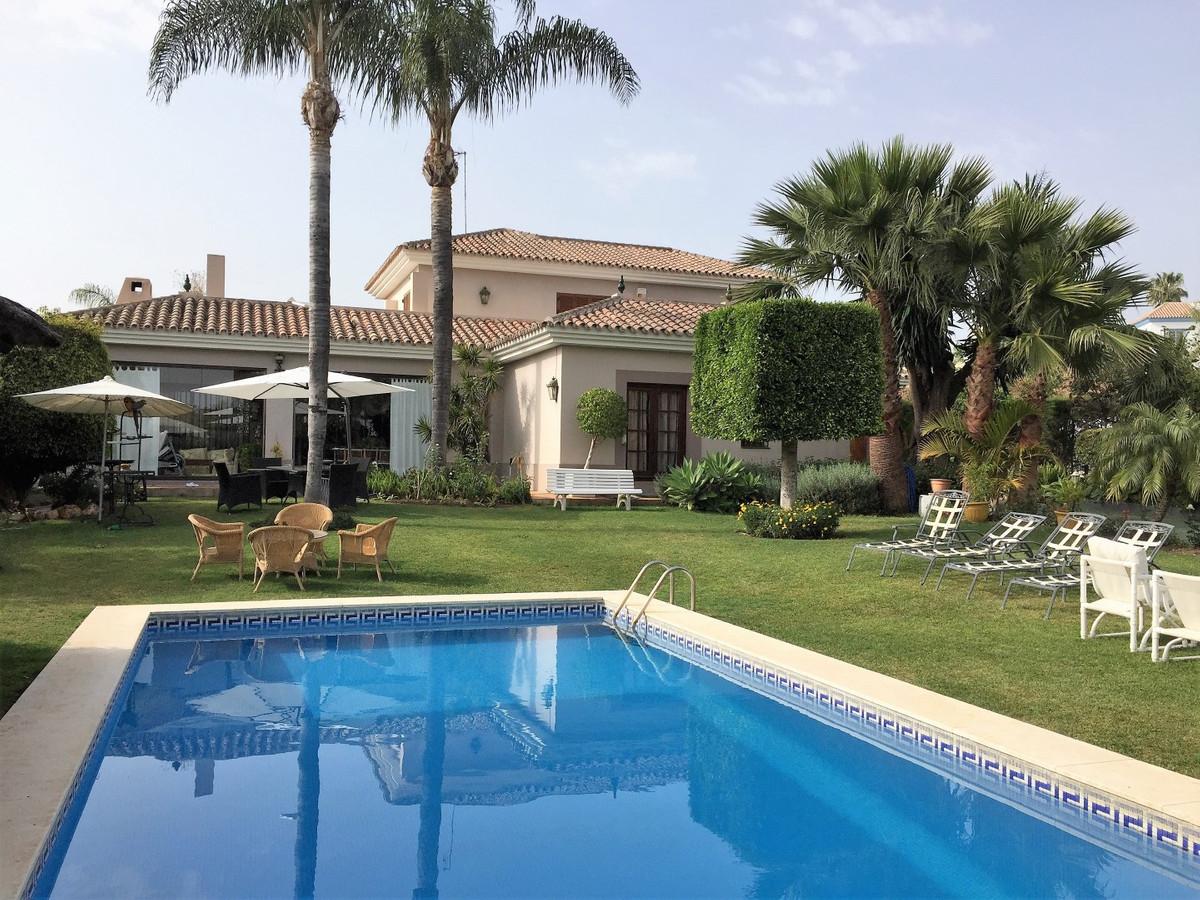 Beautiful Villa in Parcelas del Golf, Nueva Andalucia  Beautiful Villa located in the popular and we,Spain