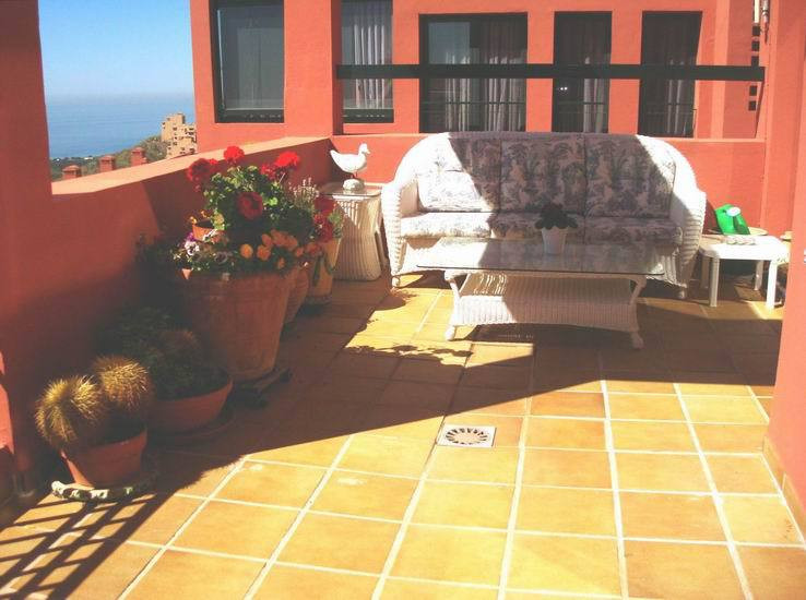 Apartment Middle Floor in Calahonda, Costa del Sol