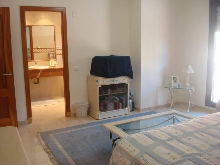 Apartment in Calahonda R13370 26