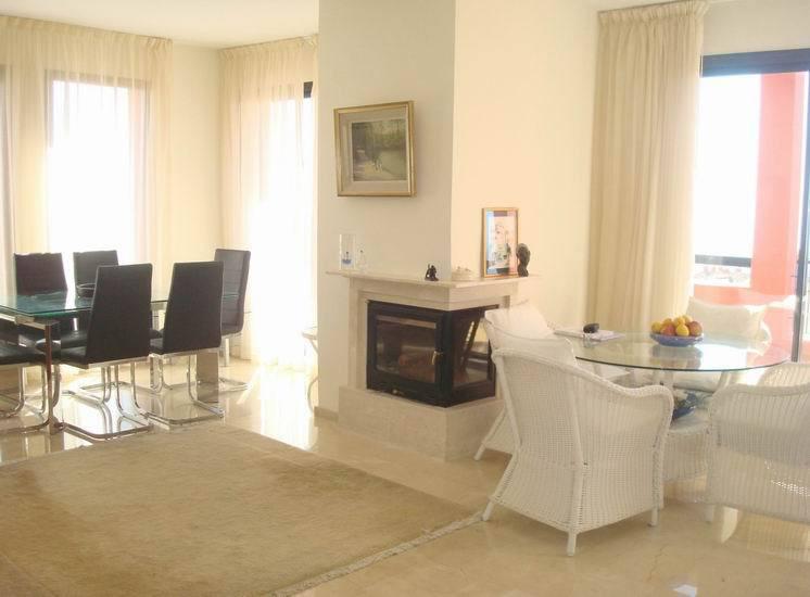 Apartment in Calahonda R13370 7