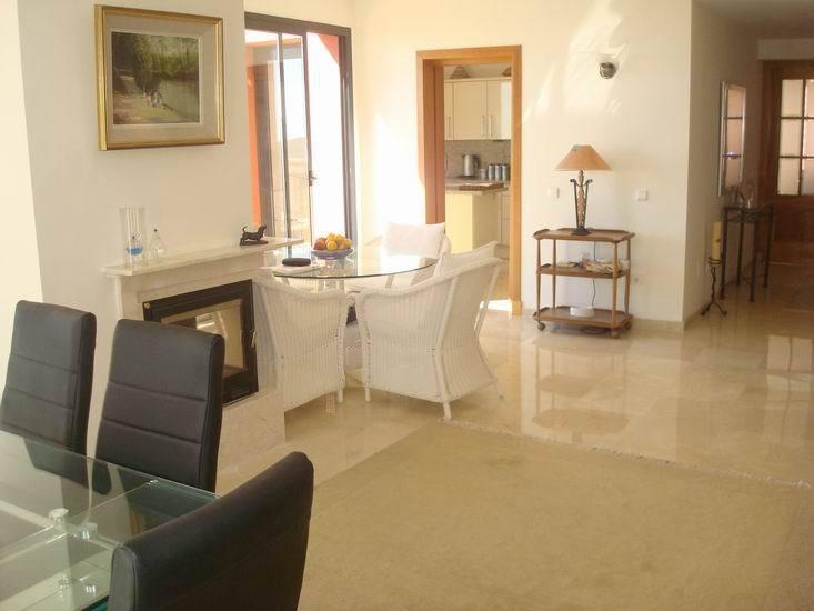 Apartment in Calahonda R13370 8