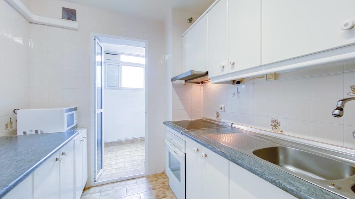 Top Floor Apartment, Fuengirola, Costa del Sol. 2 Bedrooms, 1 Bathroom, Built 121 m², Terrace 7 m². ,Spain