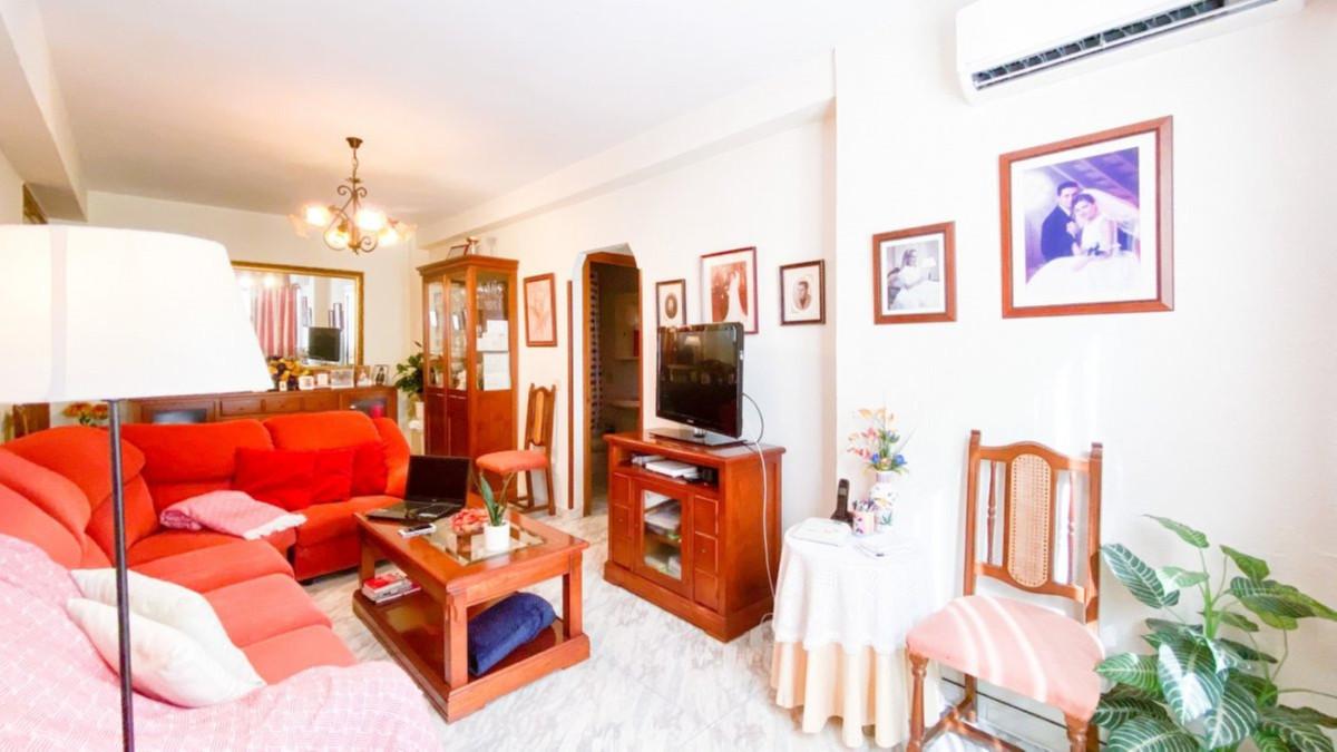 Apartment Middle Floor in Fuengirola, Costa del Sol